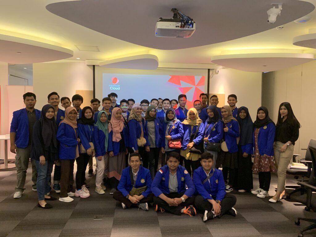 Kunjungan Industri Politeknik Harapan Bersama 2019